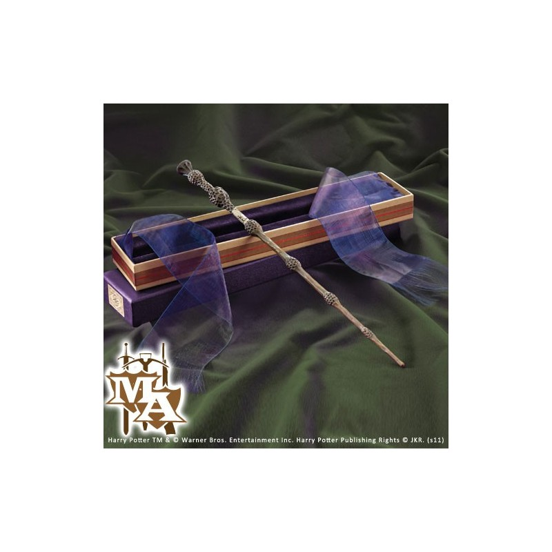 Professor dumbledore 39 s wand in ollivanders box noble for Name of dumbledore s wand